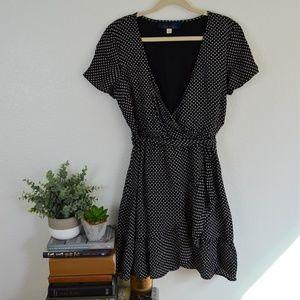 Blue Rain Black w/ White Daisy Wrap Dress